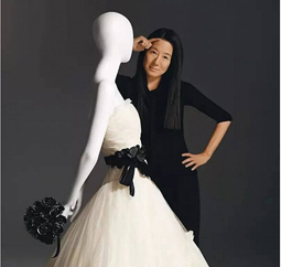 缔造时尚帝国的王薇薇:女明星只认她家的裙子