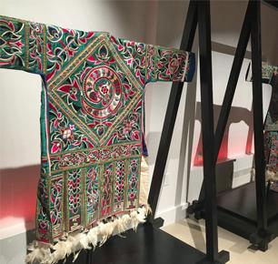 2016中国苗绣公益展纽约开幕 向中国传统手工艺致敬