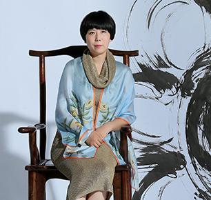 凤语者说 —— 访中国丝巾生活方式设计师殷姗姗博士