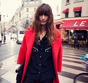 Chanel找来最能代表巴黎的模特开了个博客 不过内容却不算很有新意