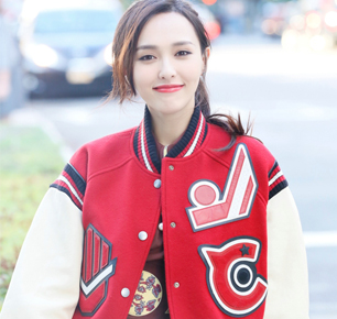 COACH发布2017春季女士高级服饰系列,品牌挚友唐嫣与李易峰首次共同现身纽约大秀